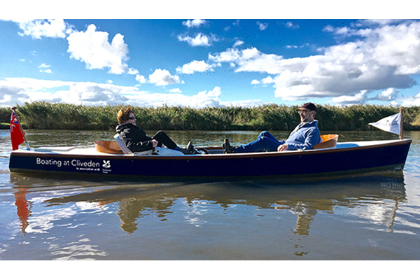 Pedal Powered Boat Hire in Buckinghamshire